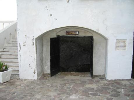 Door to Male Dungeon